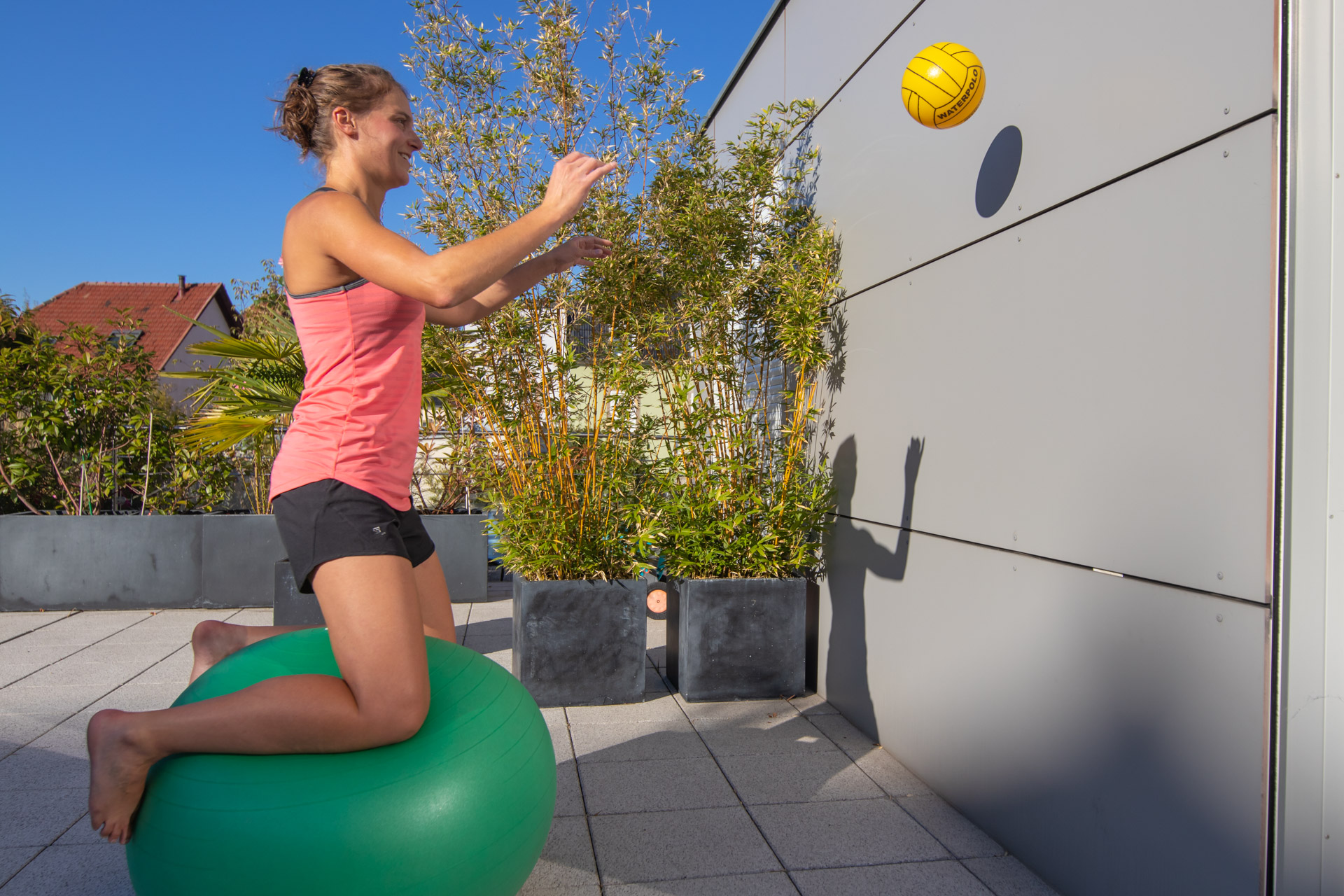 Exercice 10 : jeux de balle.