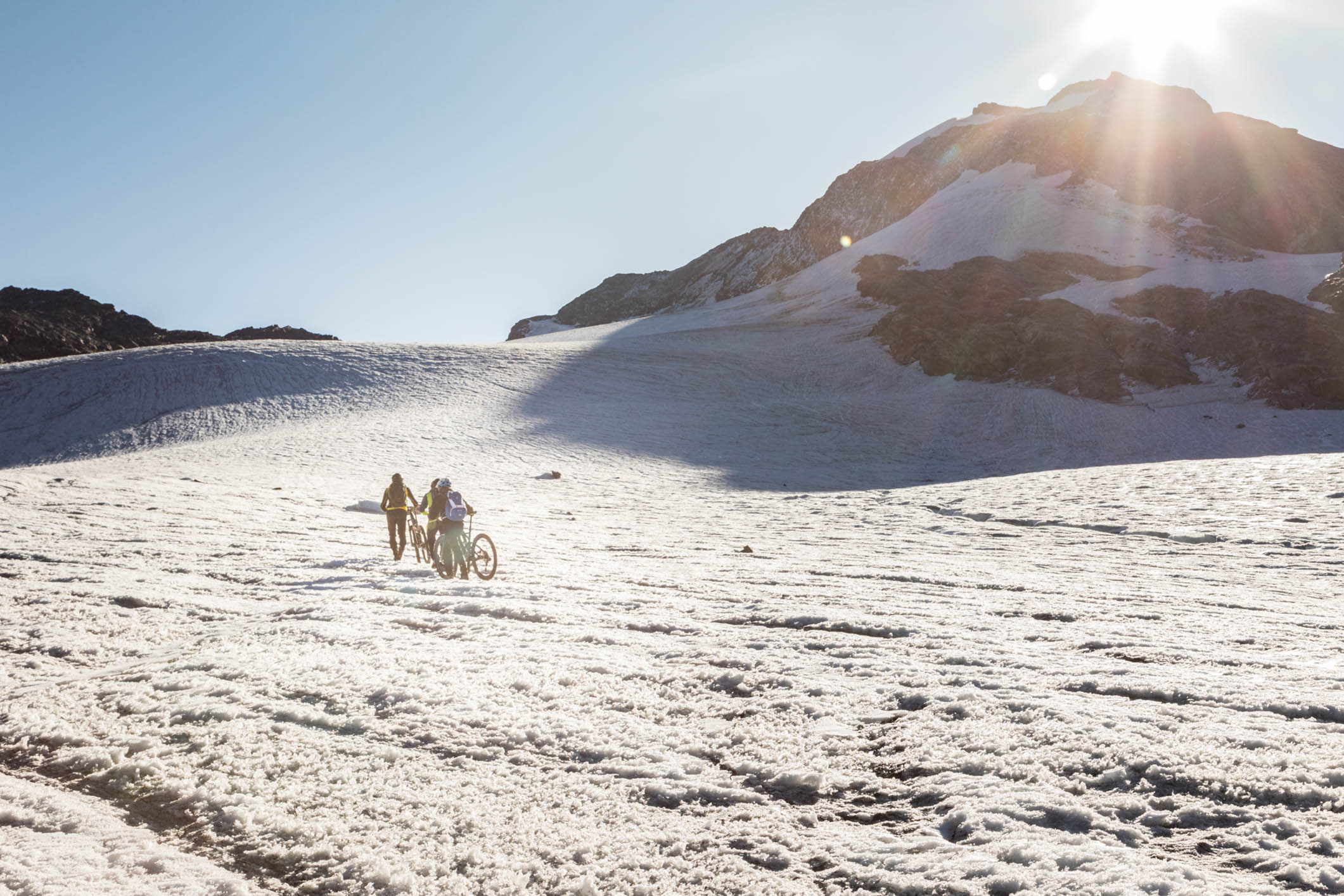 La langue terminale du glacier a reculé de plus de 400 m en 71 ans.