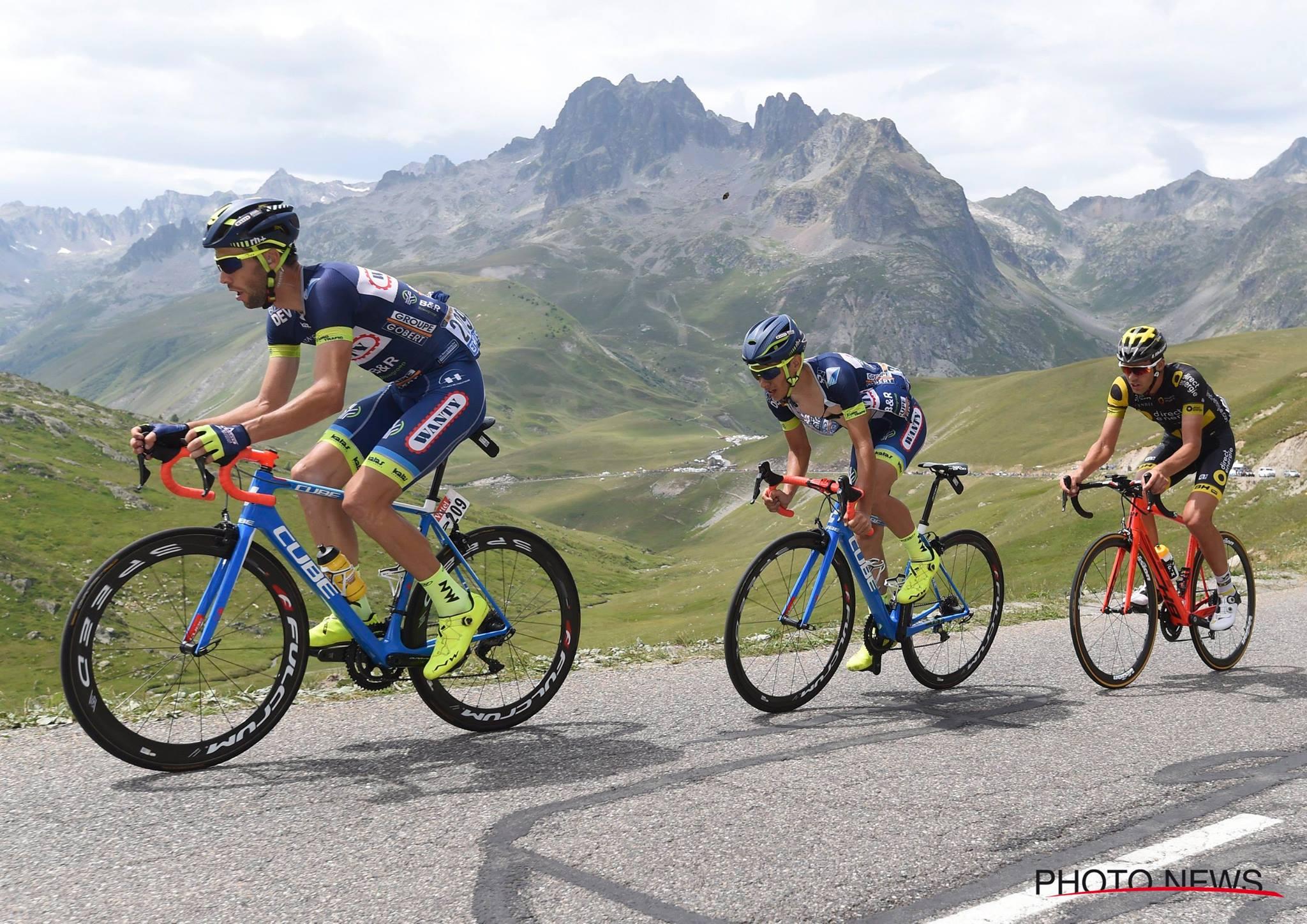 Journée difficile pour Guillaume Martin qui a pu compter sur le soutien sans faille de ses coéquipiers. © Photo News
