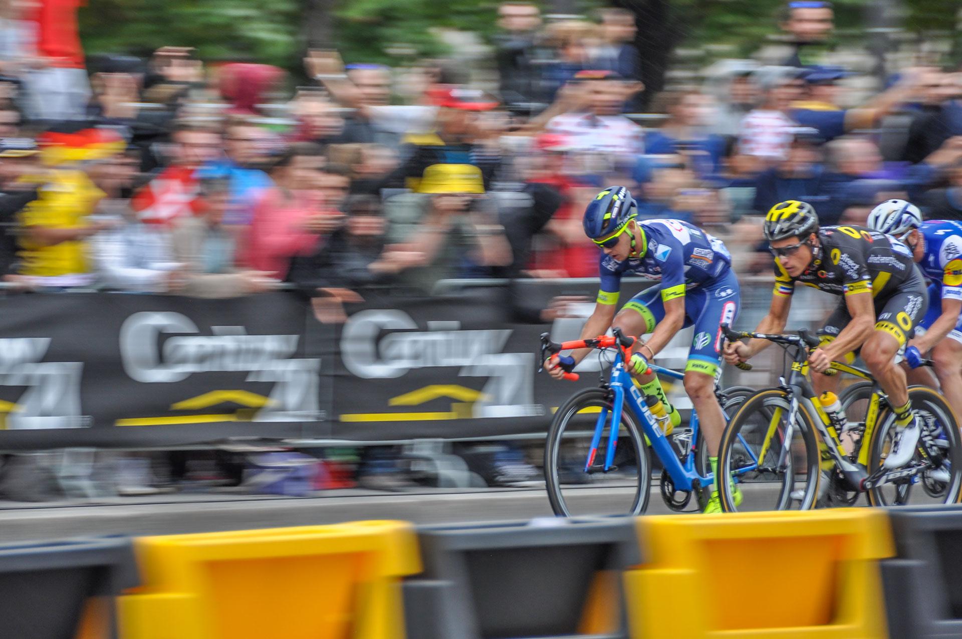 Dion Smith : 40 km d'échappée sur la plus belle avenue du monde. © Assistance Sport Passion