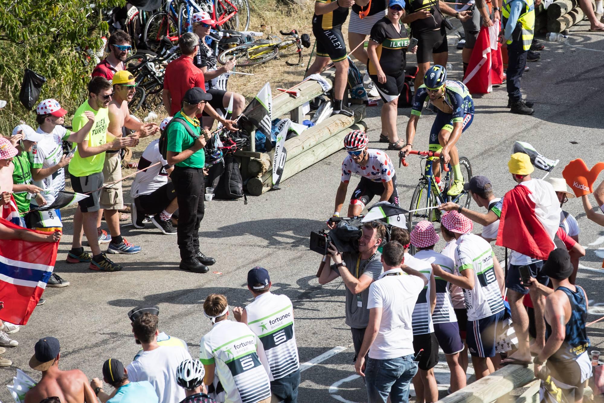 Guillaume Van Keirsbulck et son Cube Litening C:68, dans la roue du maillot à pois Julian Alaphilippe.